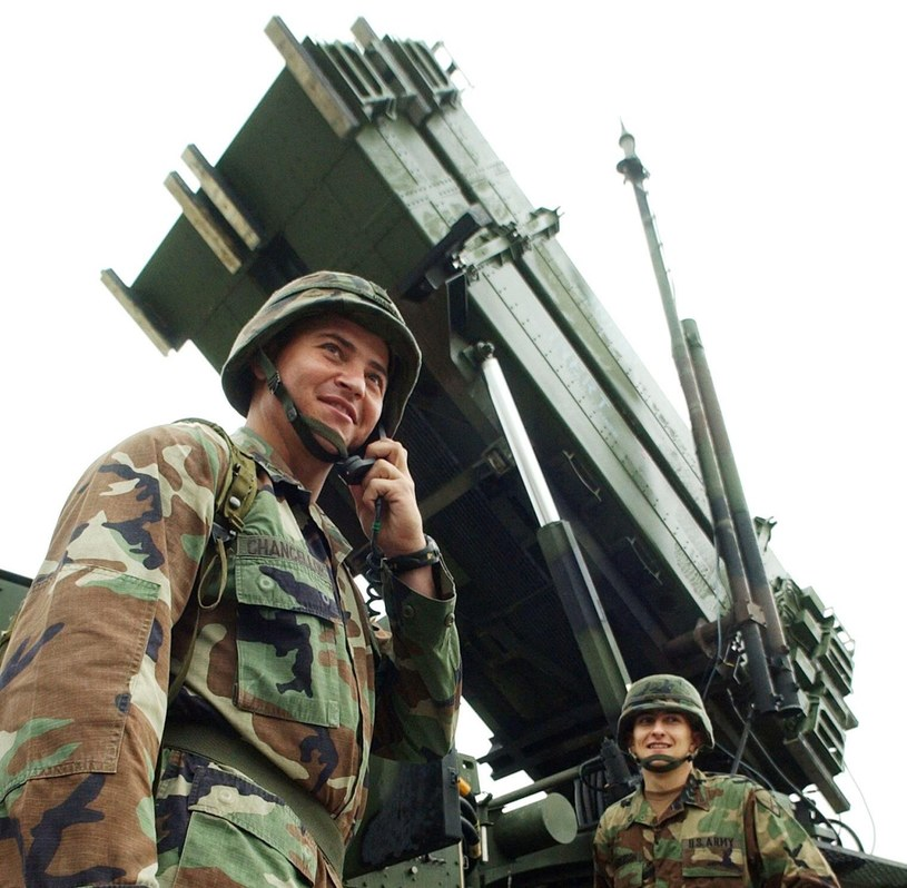 Czy wyrzutnie Patriot mają lukę z zabezpieczeniach? /AFP