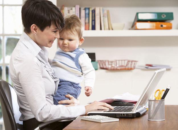 Czy zakończenie urlopu wychowawczego może skutkować zwolnieniem? /123RF/PICSEL