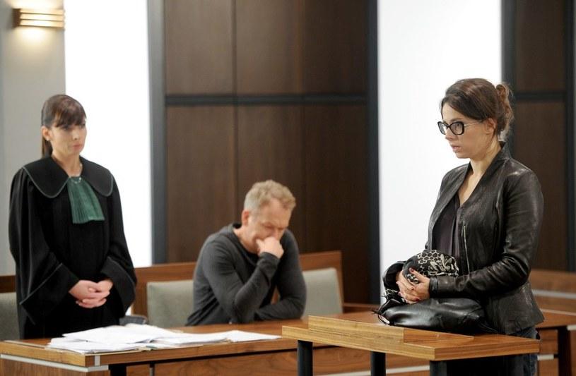 Czy zeznania Marty (Renata Dancewicz) pogrążą Krzysztofa (Mirosław Baka) /Agencja W. Impact