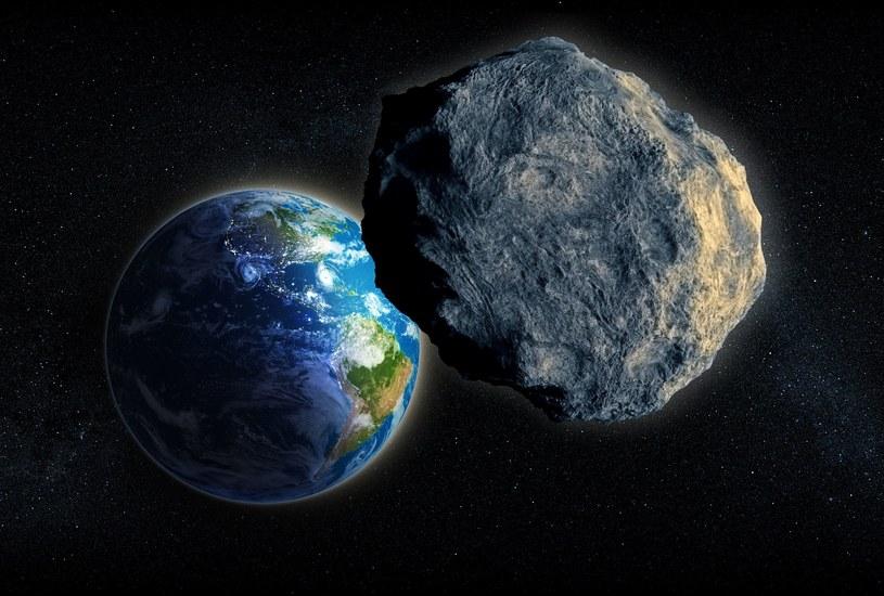 Czy Ziemi zagraża kosmiczna skała? /123RF/PICSEL