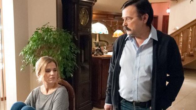 Czy Zwoleńska powie o romansie ojca przebywającej we Włoszech Małgorzacie? /www.barwyszczescia.tvp.pl/