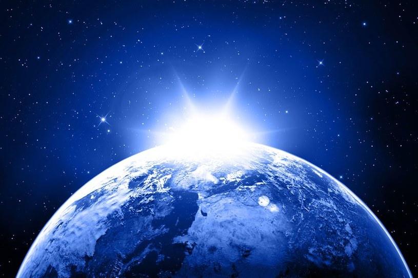 Czy życie na Ziemi pojawiło się zbyt wcześnie? /123RF/PICSEL