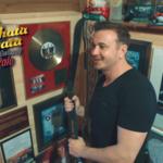 """""""Czym chata bogata"""" w Disco Polo Music. Zobacz, jak mieszka Radek Liszewski z grupy Weekend"""