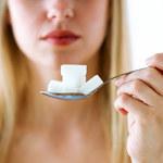 Czym grozi duża ilość cukrów prostych w diecie?
