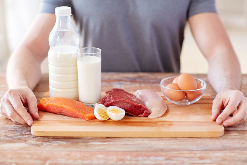 Czym grozi niedobór białka? /©123RF/PICSEL