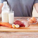 Czym grozi niedobór białka?