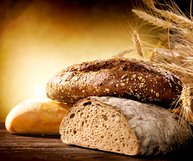 Czym grozi zbyt duża ilość chleba w diecie? Jak go jeść, aby nie szkodził?