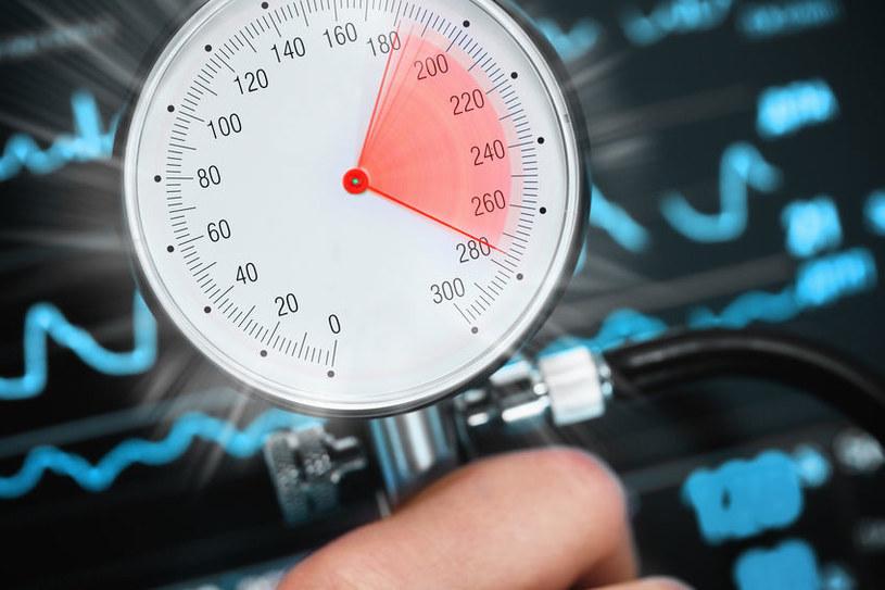 Czym jest nadciśnienie tętnicze? /©123RF/PICSEL