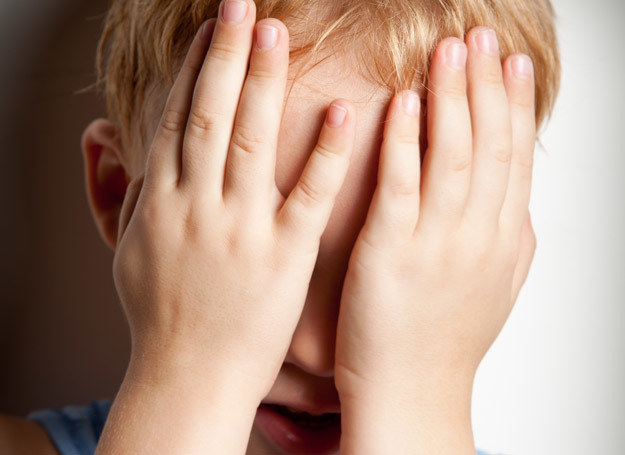 Czym może skończyć sie grożenie dziecku karą? /123RF/PICSEL