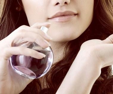 Czym różni się woda toaletowa od perfum?