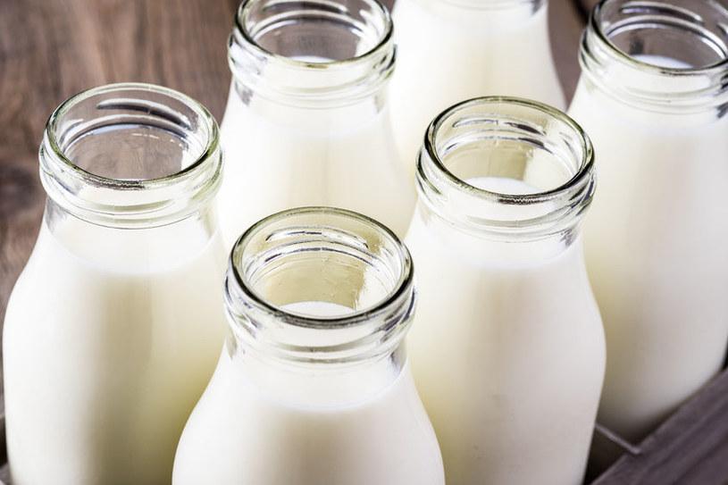 Czym się różni mleko pasteryzowane od uht? /©123RF/PICSEL