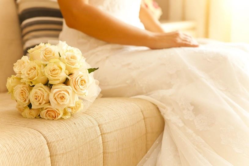 Czynnikiem najmocniej wpływającym na opinię, czy należy wziąć ślub kościelny, czy cywilny, jest religijność; zdj. ilustracyjne /123RF/PICSEL