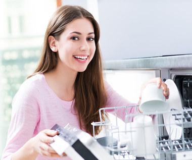 Czysta zmywarka i lśniące naczynia: Domowe sposoby