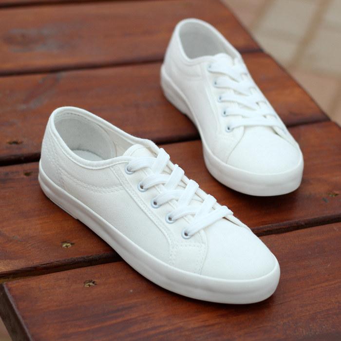 czyste buty /© Photogenica
