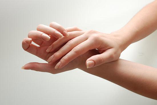 Czyste dłonie /© Photogenica