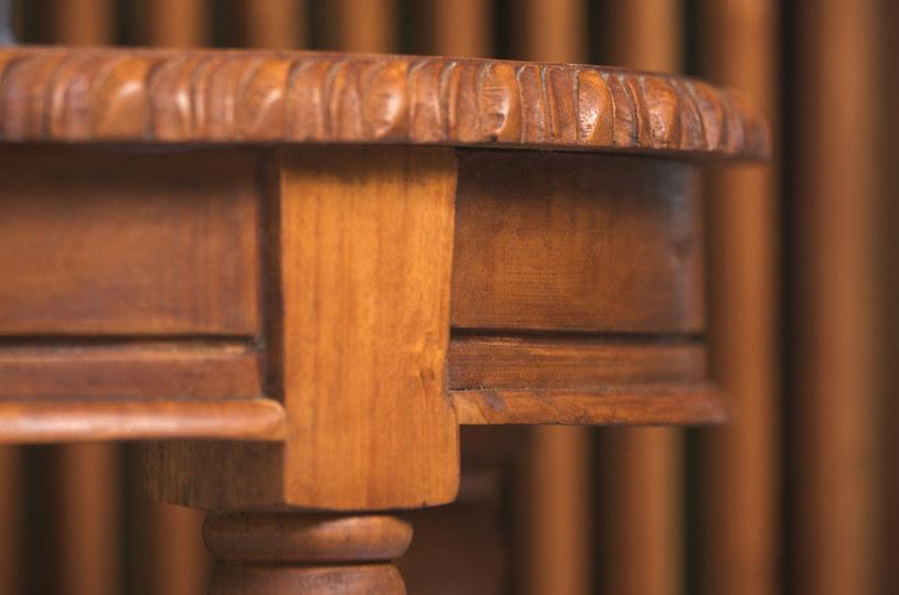 czyszczenie drewnianych mebli /© Photogenica
