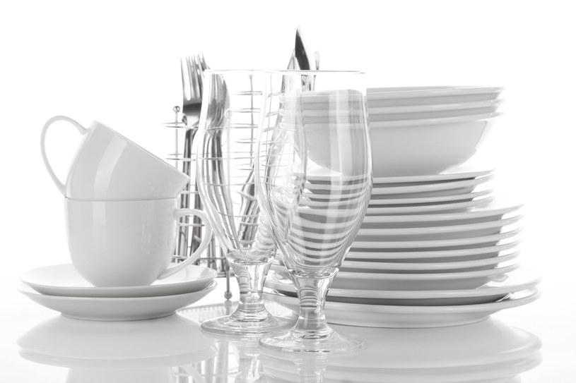 czyszczenie talerzy /© Photogenica