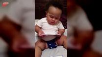 Czytający bobas. Ma niecałe dwa lata, a już tyle potrafi!