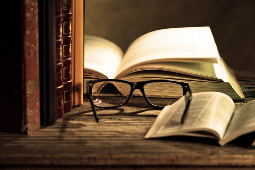 Czytanie ma wpływ na całe nasze życie? Okazuje się, że tak! /123RF/PICSEL