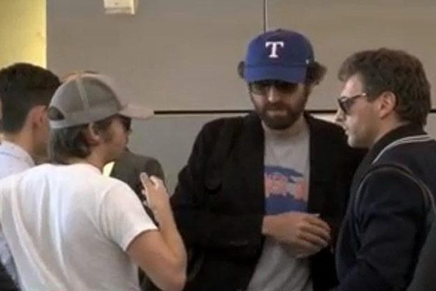 Daft Punk to ci panowie w czapeczkach (fot. TMZ/youtube.com) /