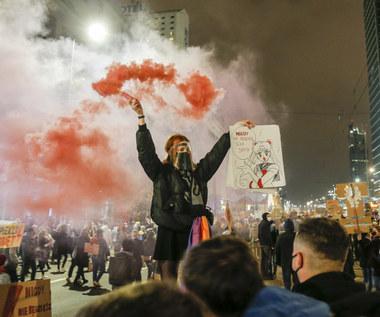 """Dagadana x Urbanski: Cover """"Jeszcze będzie przepięknie"""" podbija sieć. Krzysztof Gonciarz z wsparciem dla strajku kobiet"""