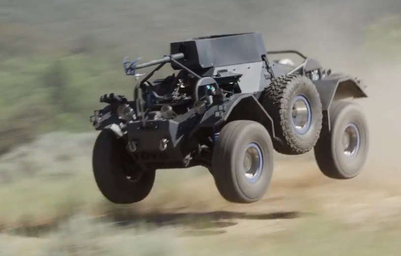 Daimler Ferret w wersji 6-kołowej i z V8 pod maską /