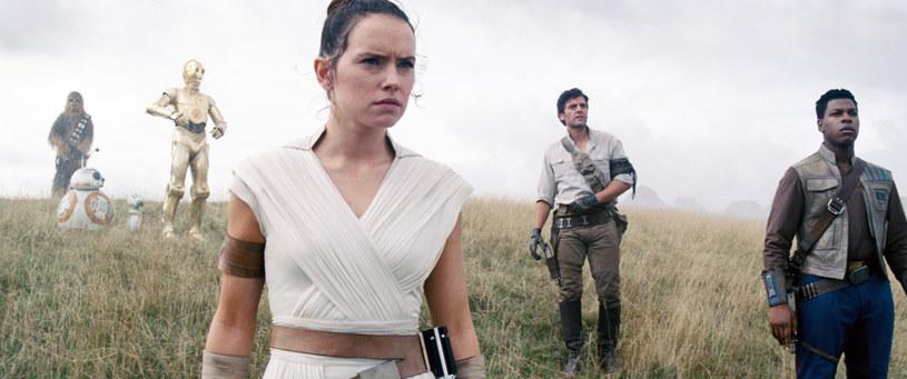 """Daisy Ridley w filmie """"Gwiezdne wojny: Skywalker. Odrodzenie"""" /Lucasfilm /Everett Collection /East News"""