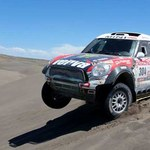 Dakar 2012.  Hołek czwarty. Małysz  coraz szybszy