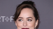 Dakota Johnson z mamą na ściance
