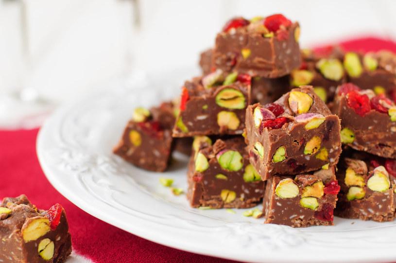 Daktylowa czekolada /123RF/PICSEL