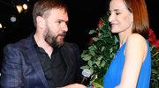 Dał jej sto róż i pierścionek