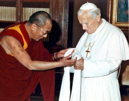 Dalaj Lama na spotkaniu z Janem Pawłem II /MWMedia