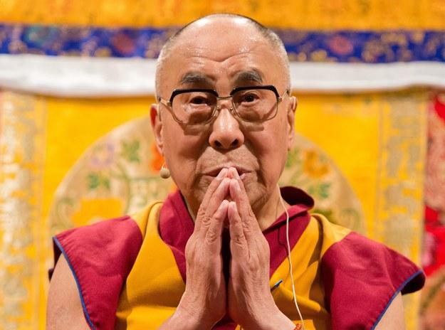 Dalajlama: Technologia może nas zniewolić