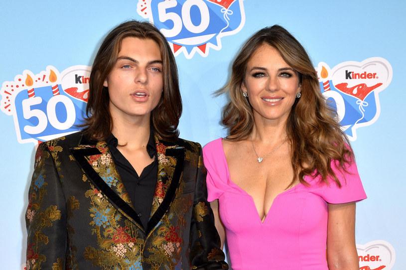 Damian Hurley z mamą, Elizabeth Hurley /FaceToFace /East News