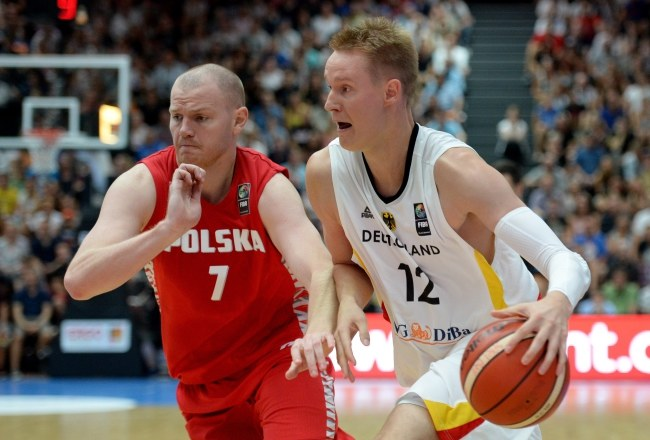 Damian Kulig (z lewej) w meczu reprezentacji Polski z Niemcami /PAP/EPA