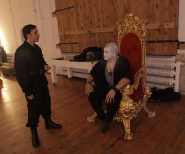 Damian Ukeje na tronie