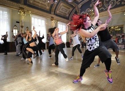 Dance aerobik - sposób na ładną sylwetkę /AFP