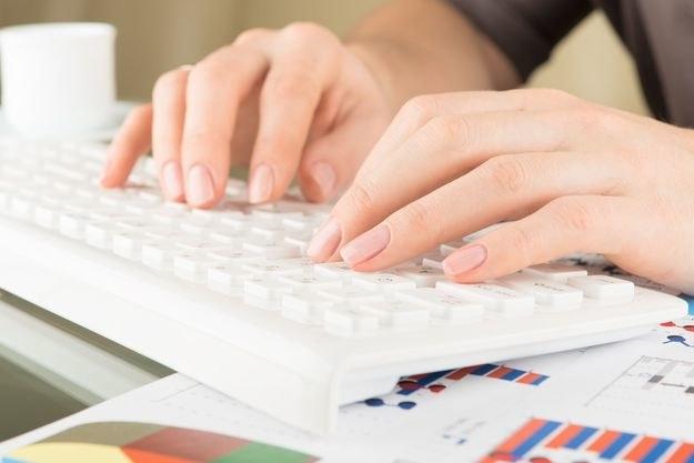 Dane 4 mln pracowników władz federalnych mogły paść łupem hakerów /123RF/PICSEL