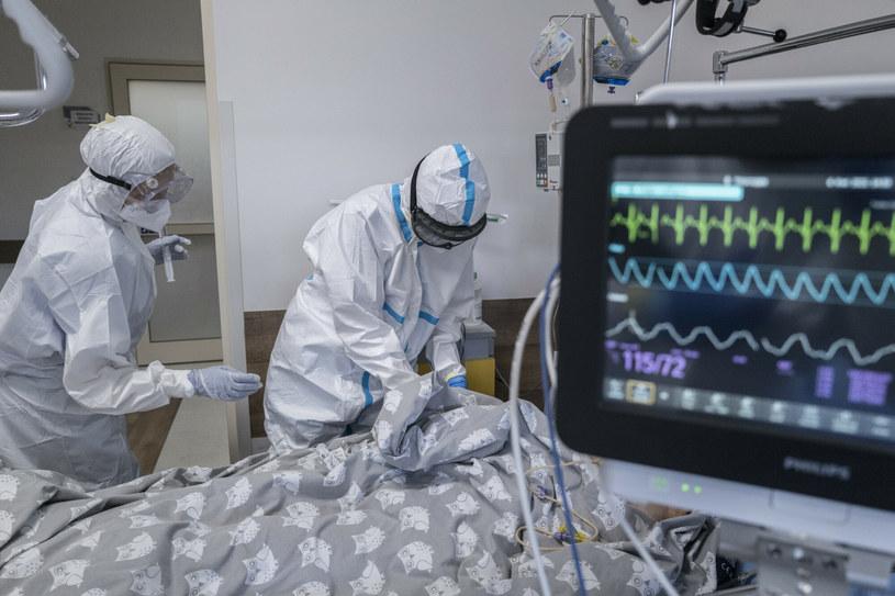 Dane Ministerstwa Zdrowia z 3 października /MAREK BEREZOWSKI/REPORTER /Reporter