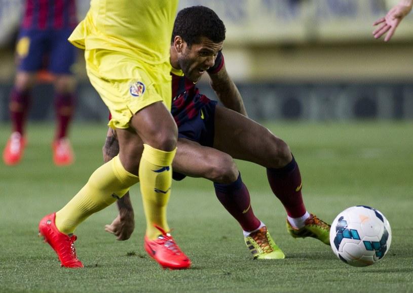 Dani Alves w ostatnim starciu z Villarreal. /AFP