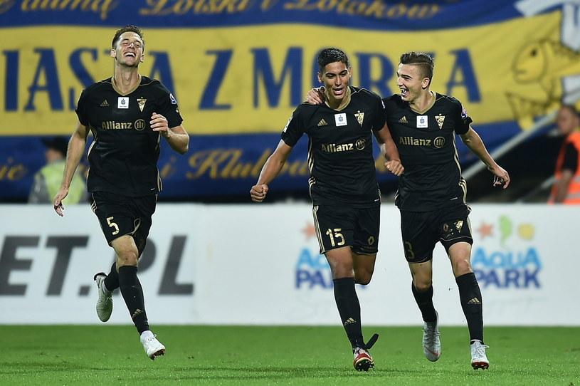 Dani Suarez cieszy się z gola strzelonego w meczu z Arką /Marcin Gadomski /PAP