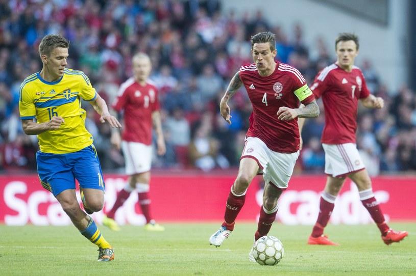 Daniel Agger (z prawej) dał zwycięstwo Duńczykom /AFP