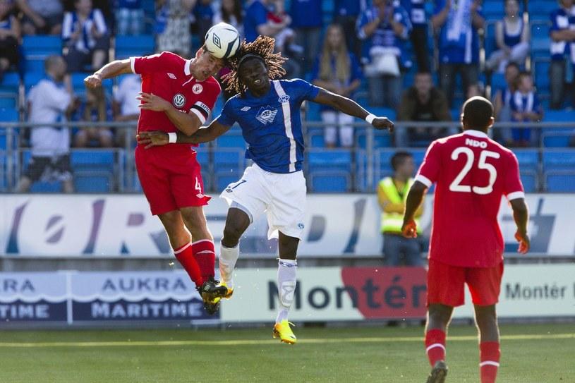 Daniel Chima Chukwu (w środku) jeszcze w barwach Molde FK /AFP