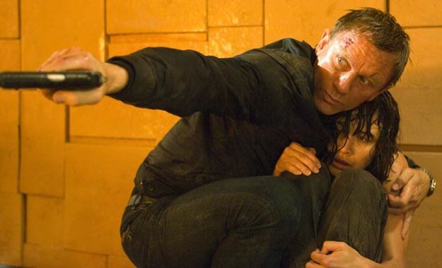 "Daniel Craig i Olga Kurylenko w filmie ""Quantum of Solace"" /materiały prasowe"