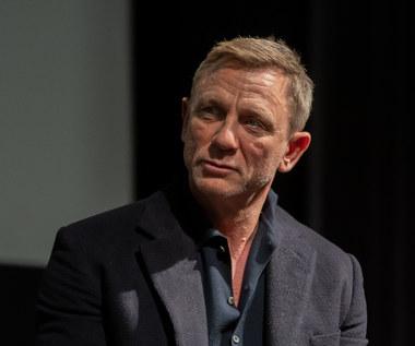 """Daniel Craig żegna się z rolą Jamesa Bonda. Wzruszające słowa na planie """"Nie czas umierać"""" [wideo]"""