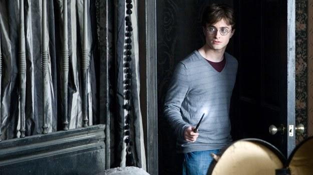 """Daniel Radcliffe jako Harry Potter w pierwszej części """"Insygniów Śmierci"""" /The New York Times"""
