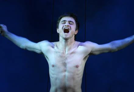 Daniel Radcliffe na scenie /AFP