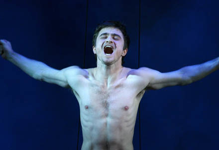 """Daniel Radcliffe w sztuce """"Equus"""" /AFP"""