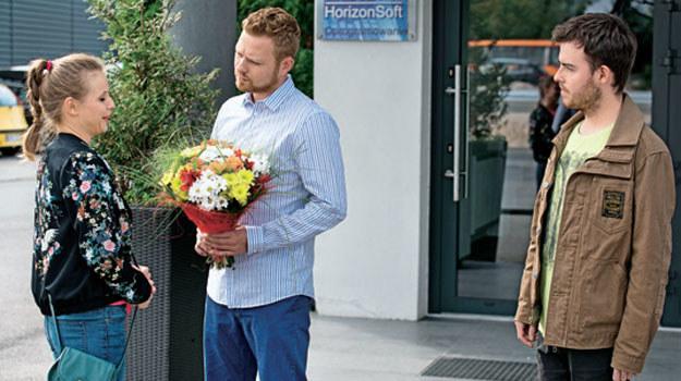 Daniel zapomni, że Łucja czeka na niego w knajpce /Świat Seriali