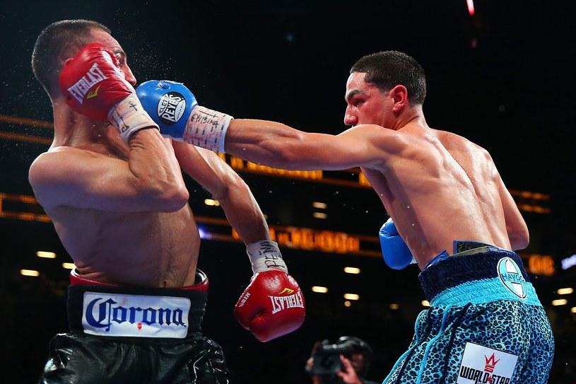 Danny Garcia (z prawej) atakuje Paula Malignaggiego /AFP